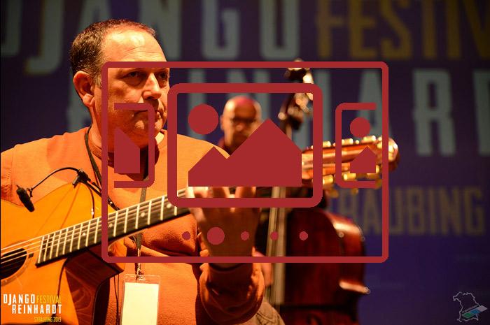 Das slideshow-Fenster zu den Bildern vom 'Django Reinhardt Festival 2019' anzeigen ...