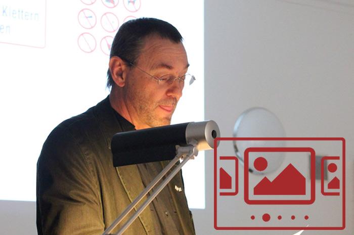 Das slideshow-Fenster mit begleitenden Bildern zu unserer Auftakt-Veranstaltung 'Projektzyklus zu Janusz Korczak' anzeigen ...