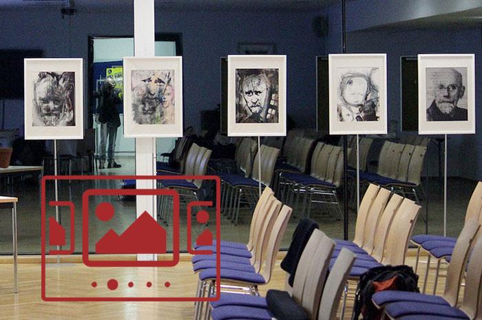 Das slideshow-Fenster mit Impressionen der Ausstellung 'Eine kreative Auseinandersetzung mit Janusz Korczak durch 2 Künstler aus 2 Generationen' anzeigen ...