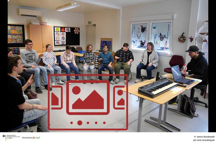 Sie sehen Impressionen zu unserem Musik-Workshop am Bildungszentrum St. Wolfgang ...