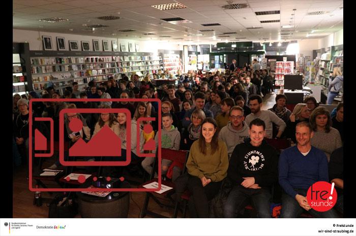 """Sie sehen Impressionen aus unserer Veranstaltung 'Freistunde Talk lädt ein: """"MrWissen2Go"""" in Straubing' ..."""
