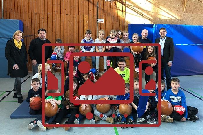 """Impressionen zu unserem Themenschwerpunkt """"Kreativ und fit :: Ein inklusives Sport-Angebot für Kinder"""" anzeigen ..."""